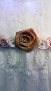 Платье белое с розой
