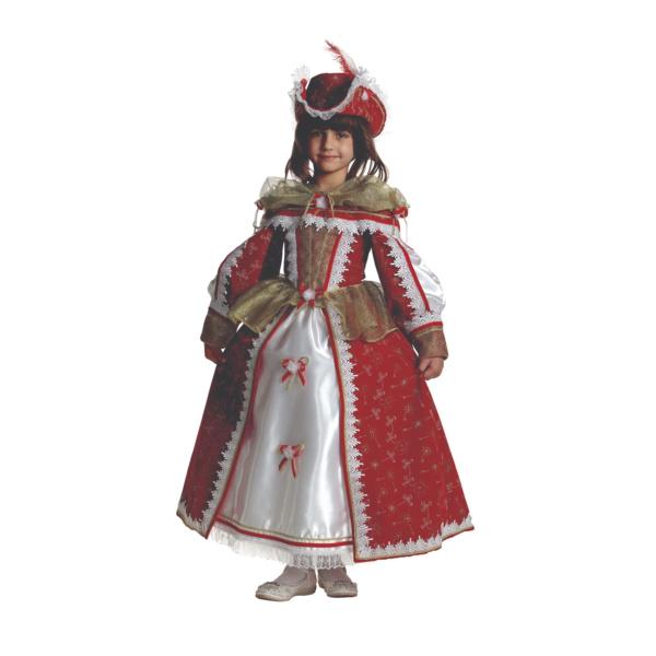 Костюм королевы в шляпе