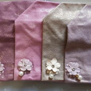Шапка для девочек с люрексом с цветком и бусинкой