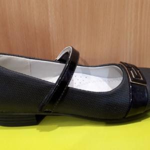 Туфли черные с черно-золотой брошью Adagio 30 - 37