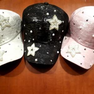Кепки белая, черная, светло-розовая для девочек подростков