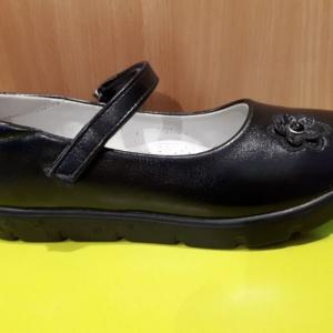 Туфли черные с цветочком на небольшой платформе 32-37 (Tom Miki)