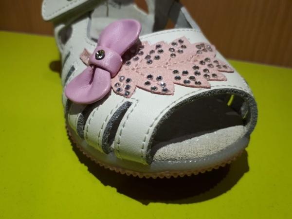 """Босоножки """"Домик"""" для девочек белые с розовым листочком и бантиком 21 - 22"""