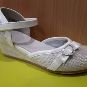 Туфли белые на танкетке сердечком 26 - 31