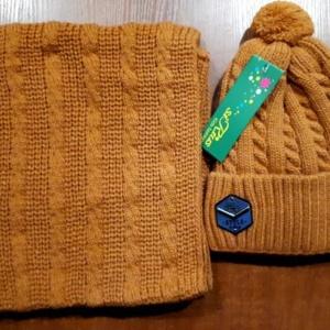 """Комплект зимний """"кирпичный"""" шапка вязаная с вязанным бубоном и снуд"""