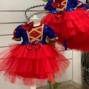 """Платье """"Белоснежки"""" с красной юбкой-пачкой и заколкой бантом"""