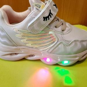 Кроссовки светящиеся с единорогом цвета пудры 26 - 31